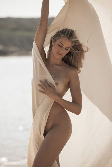 Natalie Roser Nude And Topless Pics & LEAKED Porn Video 39