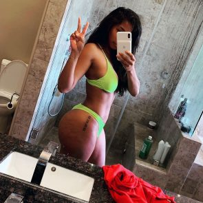 Apryl Jones nude hot leaked selfie