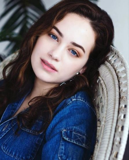 Mary Mouser Nude Pics and Porn LEAKED Online 46