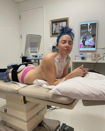 Whitney Cummings Nude LEAKED Pics & Nip Slip Porn Video 14