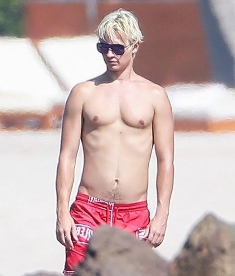 Ansel Elgort Nude LEAKED Bulge Pics & Private Porn Video 37