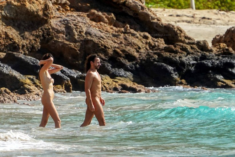 Bob Sinclar NUDE On The Beach & Shirtless, Bulge & Hot Pics 32