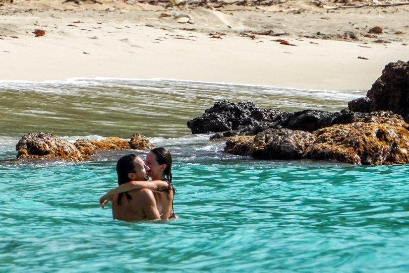 Bob Sinclar NUDE On The Beach & Shirtless, Bulge & Hot Pics 24