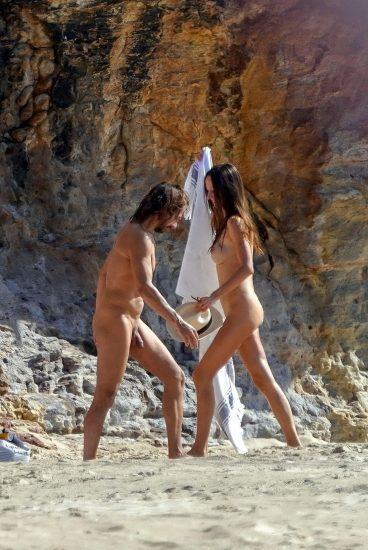 Bob Sinclar NUDE On The Beach & Shirtless, Bulge & Hot Pics 5