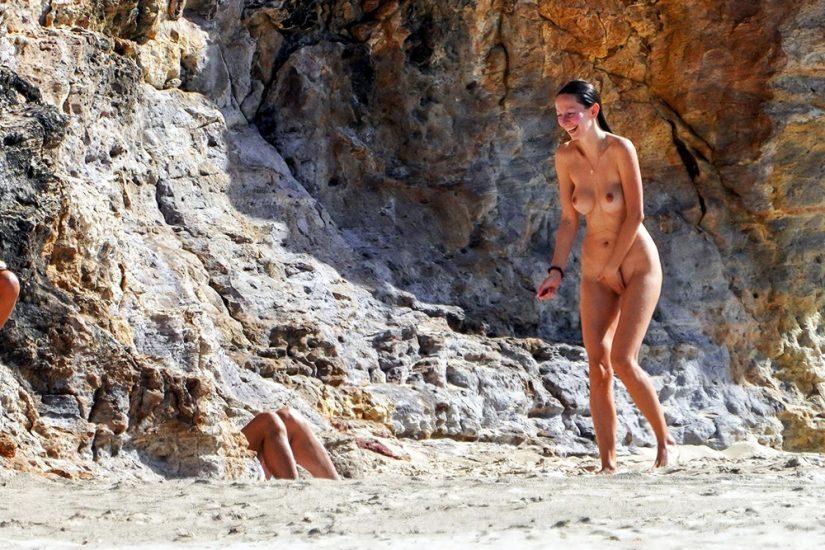 Bob Sinclar NUDE On The Beach & Shirtless, Bulge & Hot Pics 70