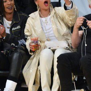 Rihanna Naked Leaks and PORN Sex Tape [2021 NEWS] 136