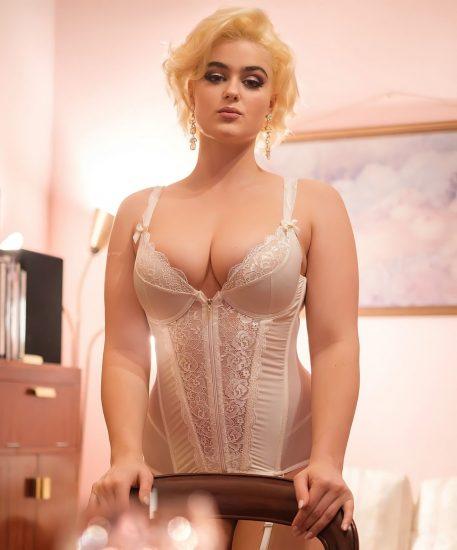 Stefania Ferrario Nude & Lesbian Pics And LEAKED Porn 148