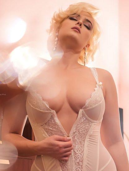 Stefania Ferrario Nude & Lesbian Pics And LEAKED Porn 139