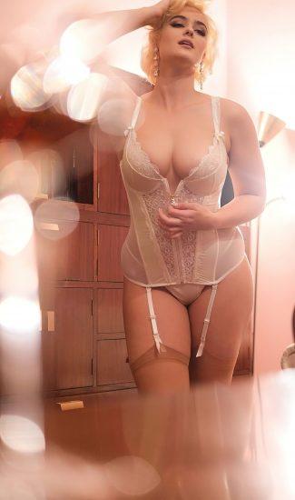 Stefania Ferrario Nude & Lesbian Pics And LEAKED Porn 140