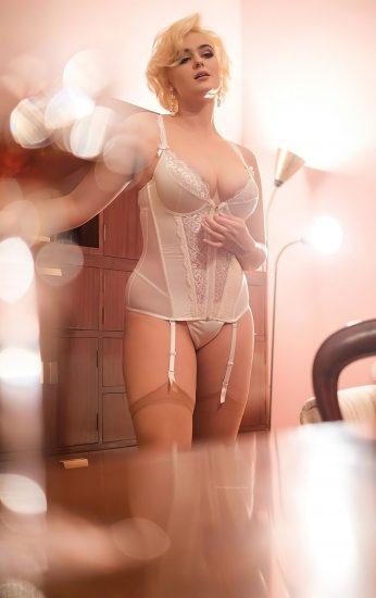 Stefania Ferrario Nude & Lesbian Pics And LEAKED Porn 143