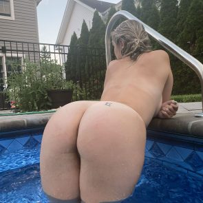 Wet Kitty Nude Photos and Leaked Blowjob Video 12