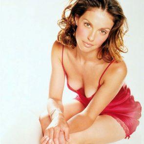 Ashley Judd Nude, Hot Pics, Porn Video and Sex Scenes 16