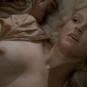 Carla Gallo nude