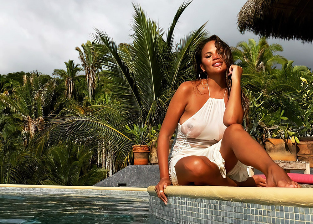 Chrissy Teigen Nude & Topless ULTIMATE Collection 2