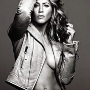 Jennifer Aniston Nude Pics, Porn and Sex Scenes [2021] 20