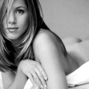 Jennifer Aniston Nude Pics, Porn and Sex Scenes [2021] 17