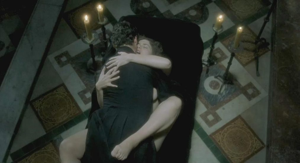 Kate Winslet topless and sex in Quills