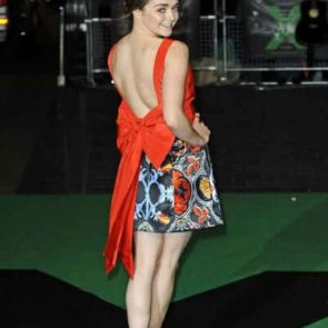 Maisie Williams Nude and Hot Pics & Porn Video [2021] 54