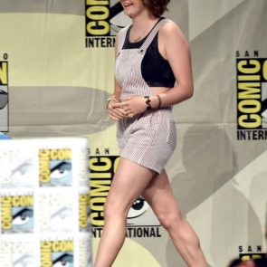 Maisie Williams Nude and Hot Pics & Porn Video [2021] 65