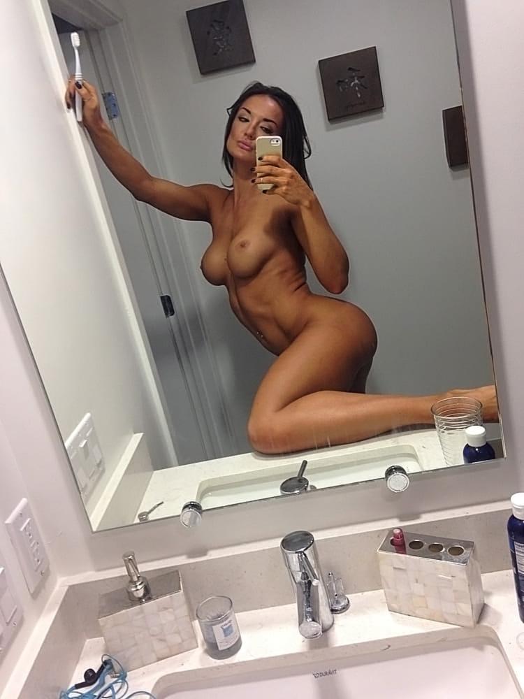 Whitney Hoy Nude