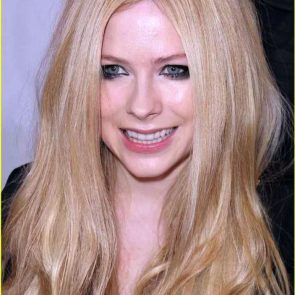 Avril Lavigne Nude in Leaked Porn and Private Pics 59