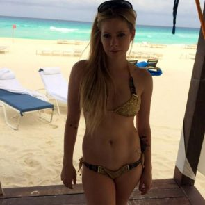 Avril Lavigne Nude in Leaked Porn and Private Pics 70