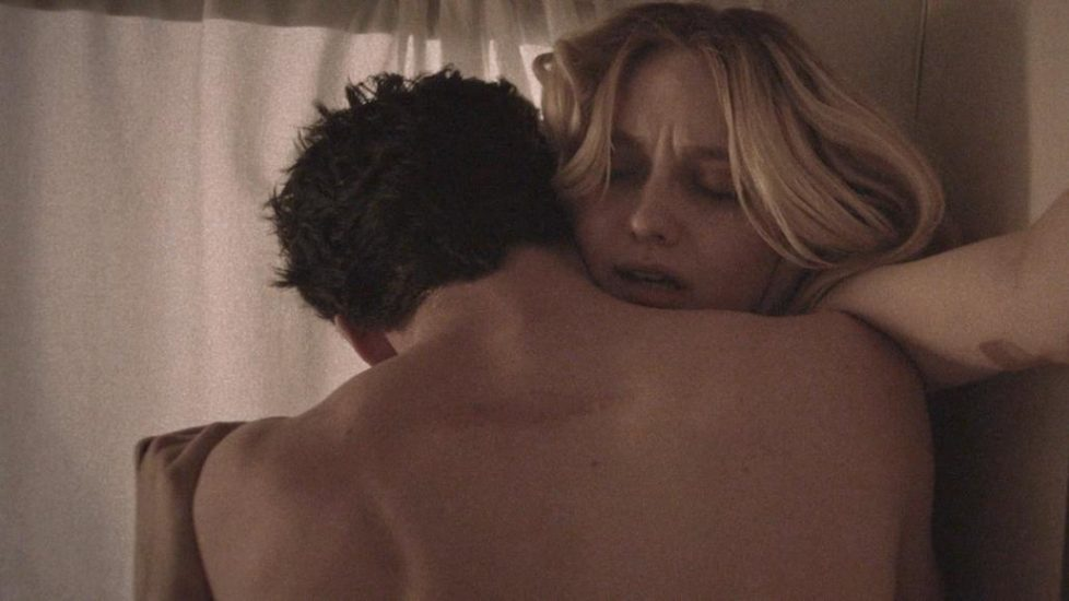 Dakota Fanning nude sex scene from Viena and the Fantomes