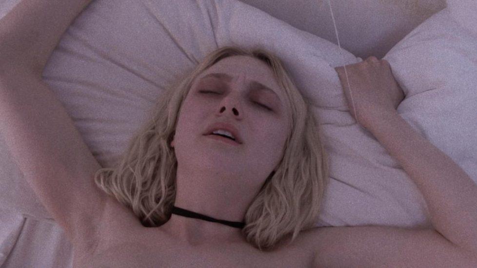 Dakota Fanning Nude Scandal Photos and Shocking PORN video 10