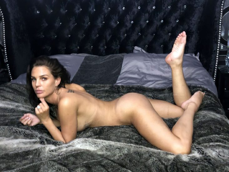Danielle Lloyd Nude Pics and Sex Tape [2021 New Pics] 2