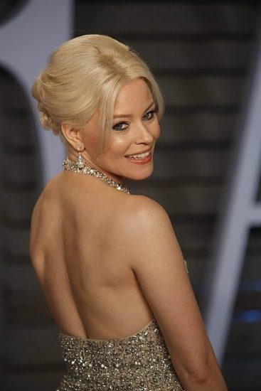Elizabeth Banks Nude Pics & Topless Sex Scenes 27