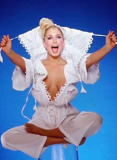 Heather Thomas Nude Pics & Topless Sex Scenes 20