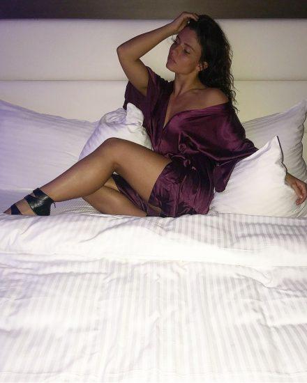 Jade Chynoweth Nudes and Shocking Porn Scandal 73