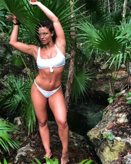 Jade Chynoweth Nudes and Shocking Porn Scandal 206