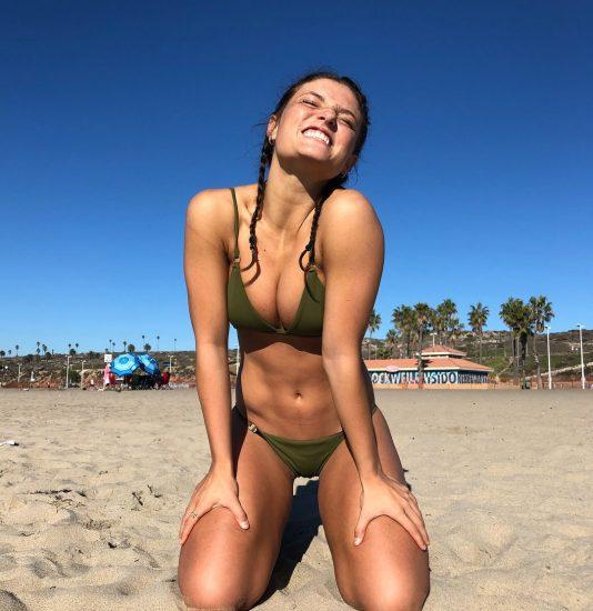 Jade Chynoweth Nudes and Shocking Porn Scandal 80