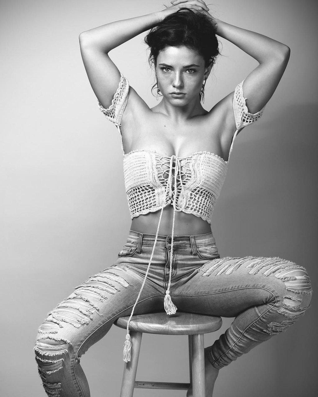 Jade-Chynoweth-naked-black-and-white-4