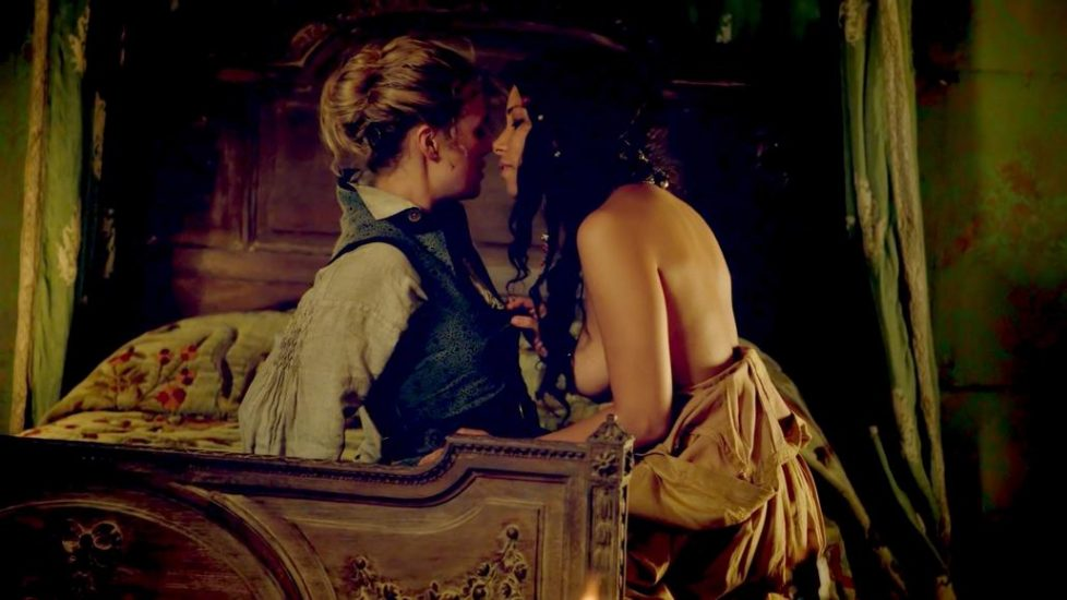 Jessica Parker Kennedy and Hannah New lesbian sex from Black Sails - S01E01 2