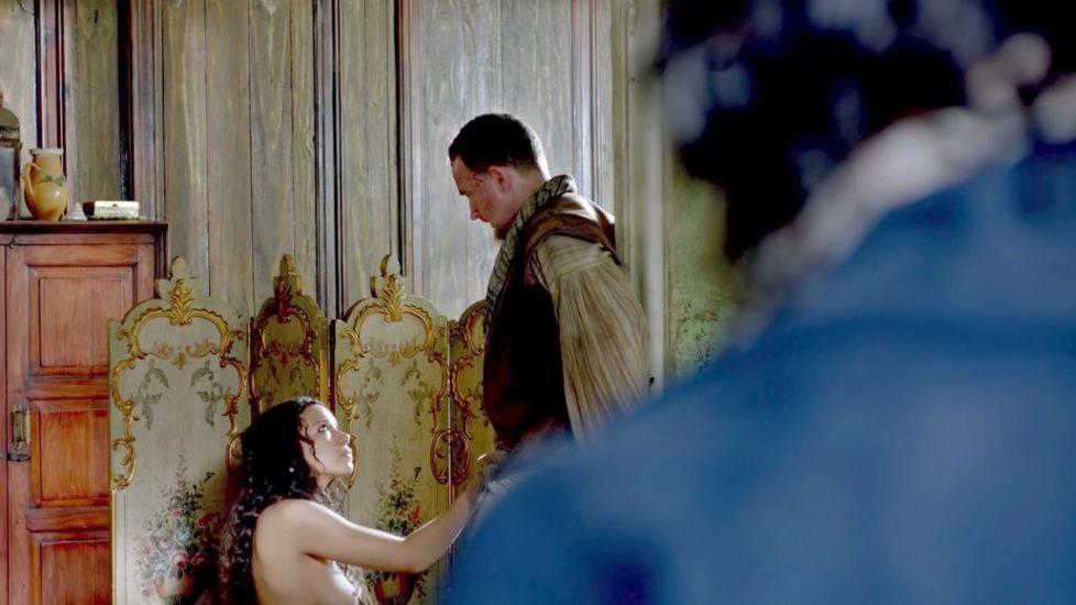 Jessica Parker Kennedy handjob scene from Black Sails - S01E02 2