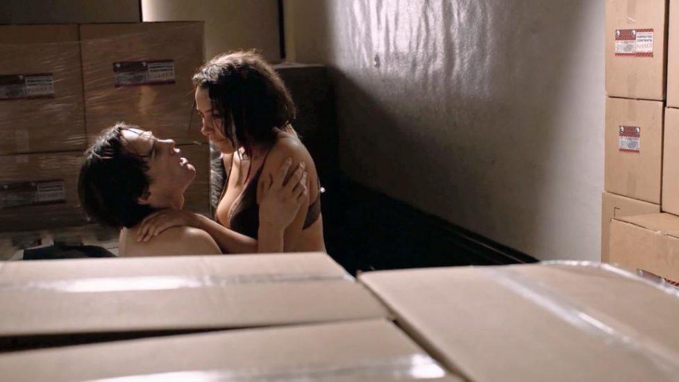 Jessica Parker Kennedy sex scene in Colony - S02E07