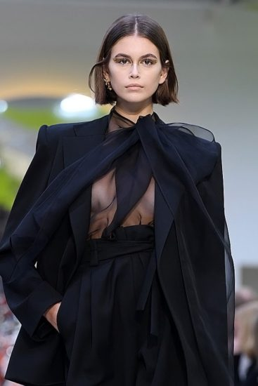 Kaia Gerber Nude LEAKED Pics, Topless on the Runway & Porn 57