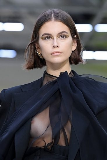 Kaia Gerber Nude LEAKED Pics, Topless on the Runway & Porn 58