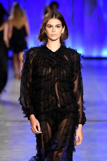Kaia Gerber Nude LEAKED Pics, Topless on the Runway & Porn 46