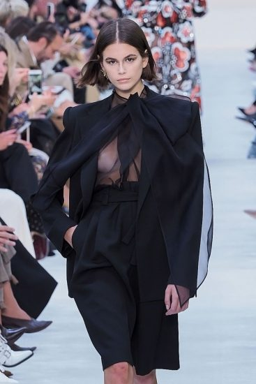 Kaia Gerber Nude LEAKED Pics, Topless on the Runway & Porn 52