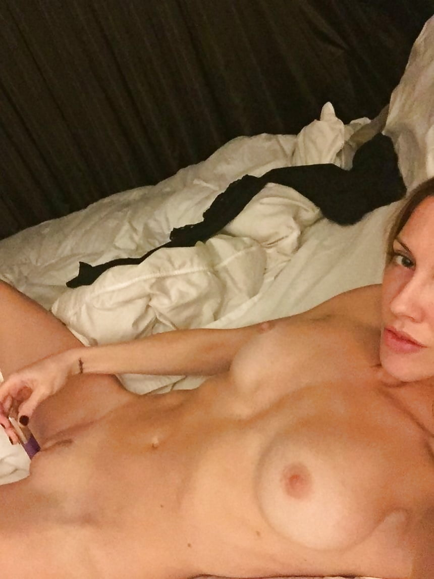 Katie Cassidy naked
