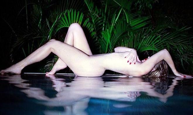 Khloe Kardashian Nude Photos, Porn & Hot Pics [2021] 5