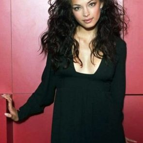 Kristin Kreuk Nude Photos and Porn Video – LEAKED 54