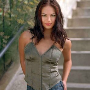 Kristin Kreuk Nude Photos and Porn Video – LEAKED 46