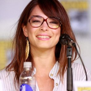 Kristin Kreuk Nude Photos and Porn Video – LEAKED 33