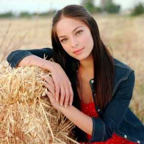 Kristin Kreuk Nude Photos and Porn Video – LEAKED 77