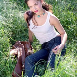 Kristin Kreuk Nude Photos and Porn Video – LEAKED 25