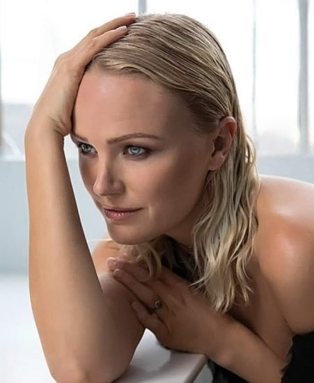 Malin Akerman Nude in Sex Scenes & Topless Pics Collection 44